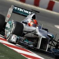 A Mercedes pilótái találgatások helyett inkább már versenyeznének