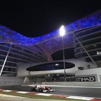 Button előzéseket, Hamilton győzelmet vár Abu Dzabiban