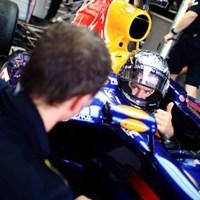 Vettel volt az első szabadedzés legjobbja, míg Alonso alatt megállt a Ferrari