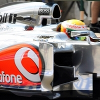 F1 Hamilton harmadik hungaroringi győzelmét aratta, a két Lotus előtt
