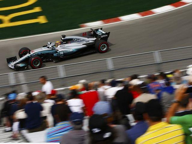 F1 Hamilton 65. pole-jával beérte Ayrton Sennát