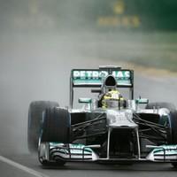 F1 Az extrém időjárás miatt vasárnapra halasztották az időmérő utolsó két etapját