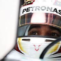 F1 Hamilton zárt az élen a kvalifikáció előtt