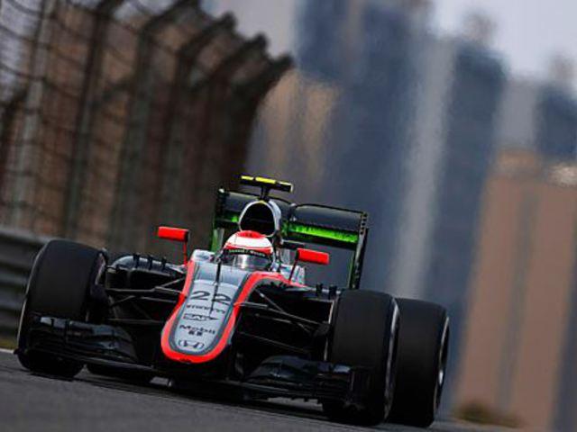 Button a mai F1-et is imádja