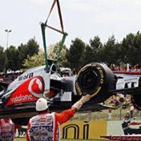 F1 Hamiltont a rajtrács végére sorolták, Maldonado a pole-ban