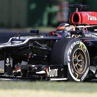 F1 Ha van sapka rajta az a baj, ha nincs az a baj - Most a Lotus támadja a Pirellit a gumiválasztás miatt