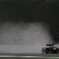 F1 A Pirelli a csapatokra, a csapatok pedig a szabályokra panaszkodnak