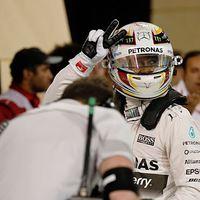 F1 Hamilton zsinórban negyedik pole-ját gyűjtötte be, Vettel első sorból rajtolhat