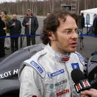 F1 Jacques Villeneuve kifakadt a Pirelli gumik és a fizetős pilóták ellen