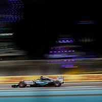 F1 Rosbergé a szezonzáró pole-ja, Ferrari blama az időmérőn