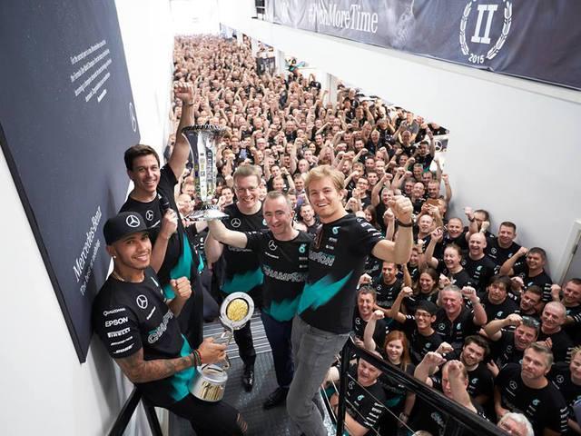 F1 A Mercedes megbízhatósága egyre rosszabb, Hamilton túl jó Rosberg számára - Villámhírek