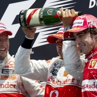 A McLaren kettős győzelmét hozta a rendkívűl izgalmas Kanadai Nagydíj
