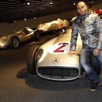 F1 Hamilton már megtervezte új trófeáinak a helyét
