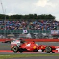 Alonso idei első futamgyőzelmét ünnepelhette Silverstone-ban
