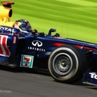 Vettel szoros csatában szerezte meg a pole-t Button előtt
