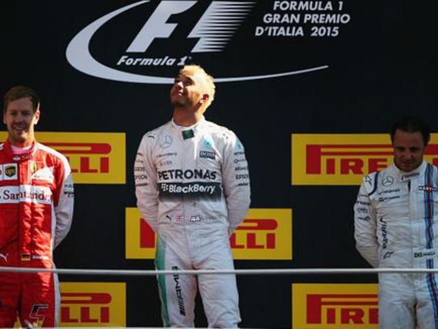 F1 Hamilton simán nyert, Rosberg kiesett Monzában