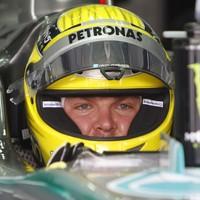 Rosberg második F1-es pole-ját szerezte meg a bahreini időmérőn