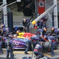 F1 A Pirellinek kezd elege lenni: Ha azt akarják, visszahozzuk az unalmas körözgetést