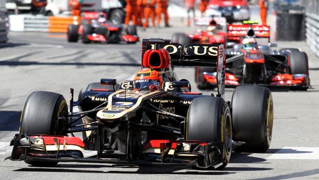 Räikkönen Perez Monacóban.jpg