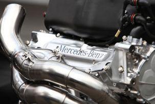 mercedes motor.JPG