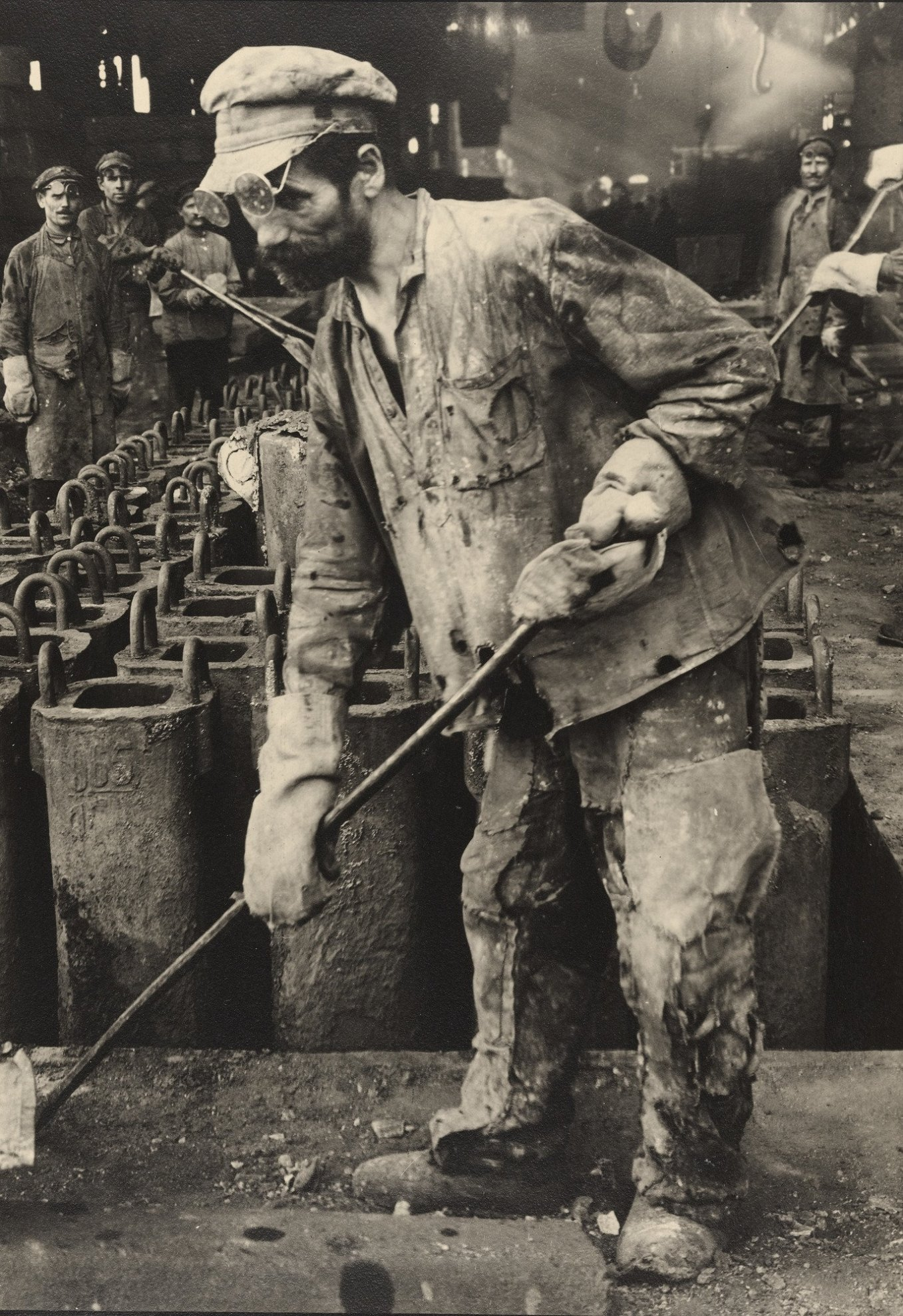 margaret-bourke-white-iron-puddler-red-october-rolling-mills-stalingrad-1930.jpg