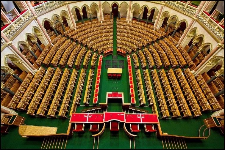 forum_parlament.jpg