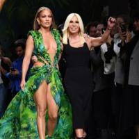 Jennifer Lopez legszexibb Versace pillanatai