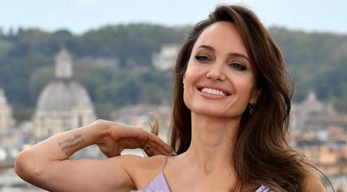Angelina pillangónak öltözve a legjobb