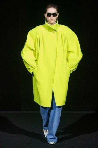 Neon villanás - Balenciaga