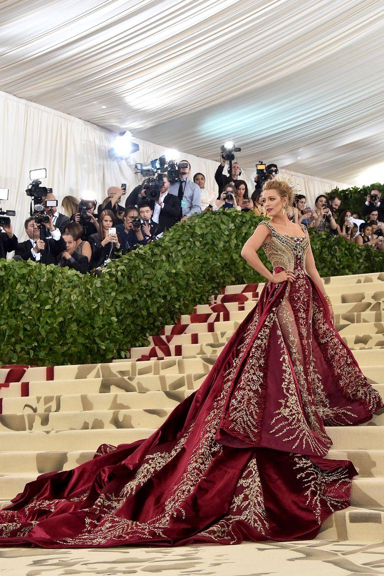 Blake-re a klasszikus királylány vonal volt jellemző ezeken az eseményeken, aztán 2018-ban végre magára talált.<br /><br />BLAKE LIVELY<br />Atelier Versace, 2018