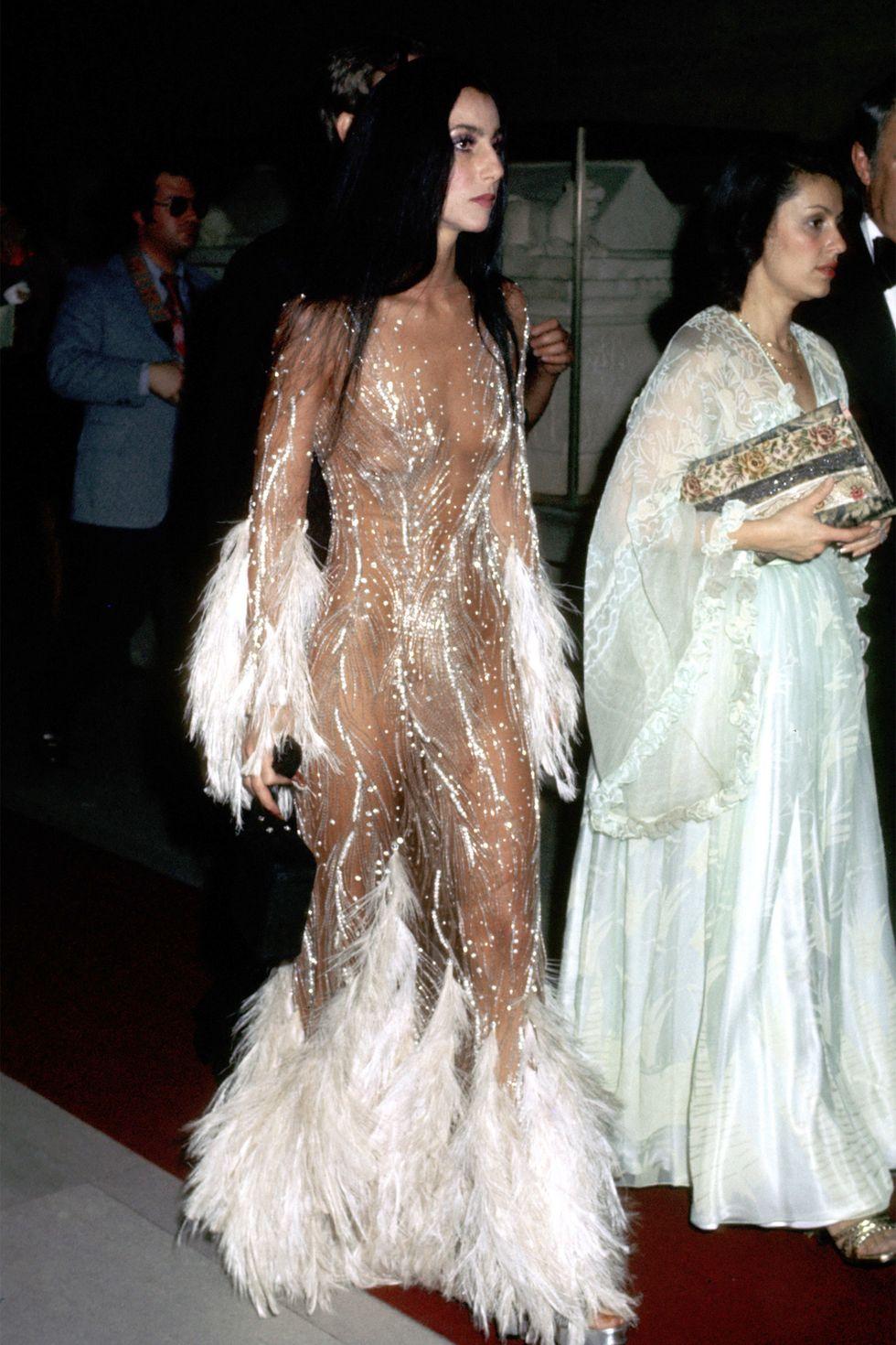 Cher már 1974-ben is odatette magát a gálán.<br /><br />CHER<br />1974<br />