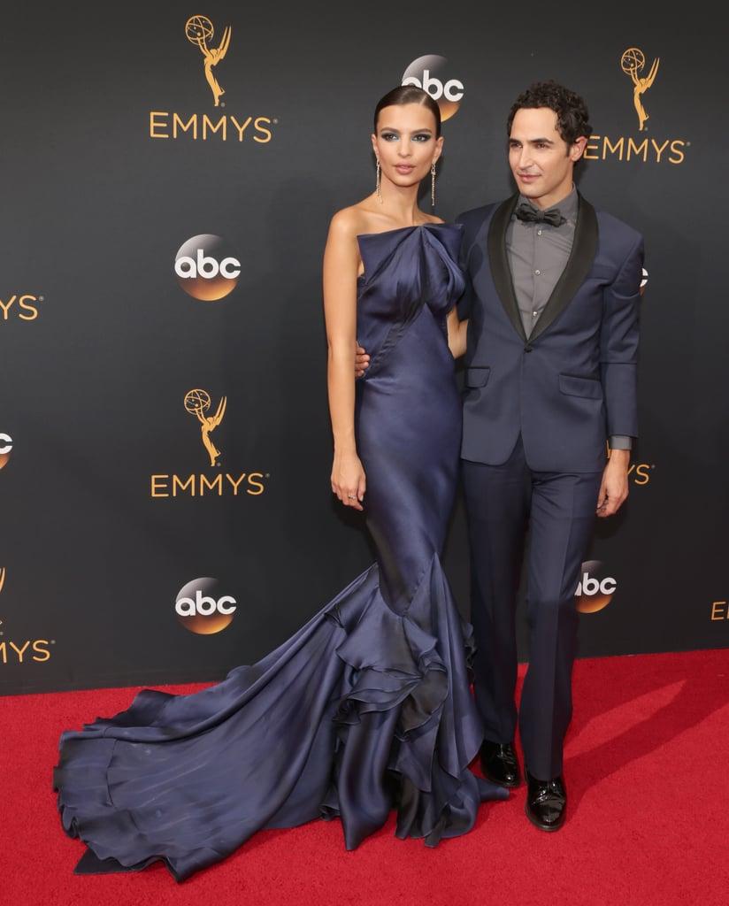 Emily Ratajkowski és Zac Posen az Emmy vörös szőnyegén