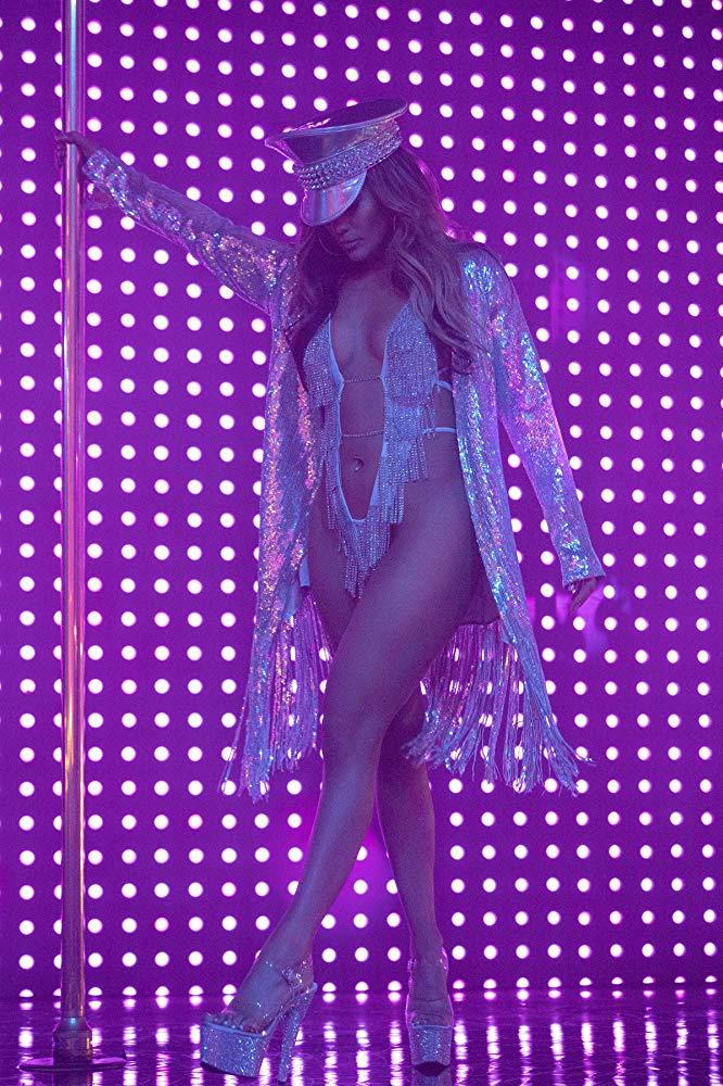 4. Jennifer Lopez a Wall Street pillangóiból<br /><br />Ha már mindenáron a szexi oldalt szeretnéd megjátszani, a rúdtáncos J.Lo-nál nincs jobb opció idén. Ezerszer menőbb és aktuálisabb, mint a megszokott szexi nővérke vagy szexi rendőrnő.
