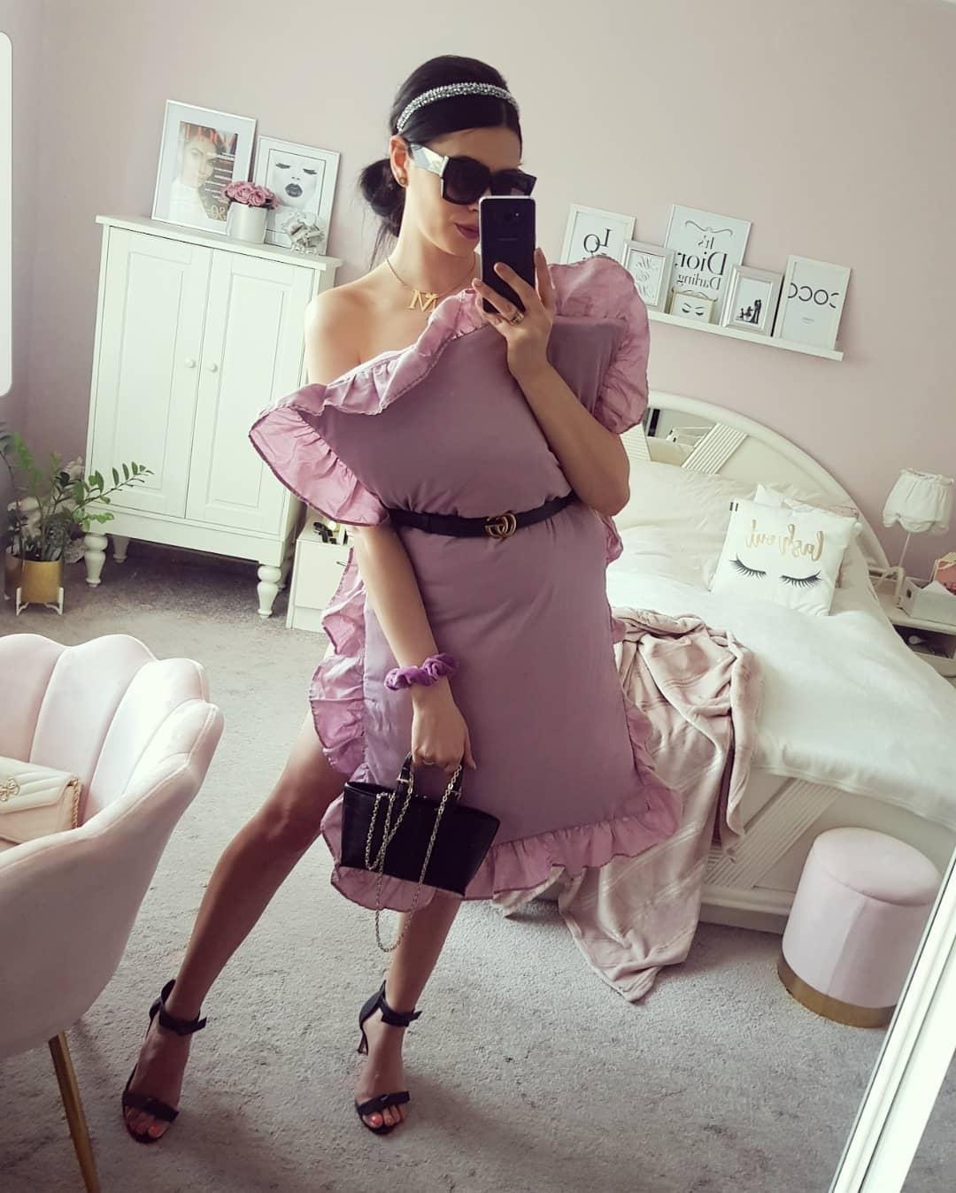 A cuki lila fodrokhoz hajpánt és napszemüveg. Blair Waldorf, te vagy az?<br /><br /><br />instagram.com/madzia_my_inspirations
