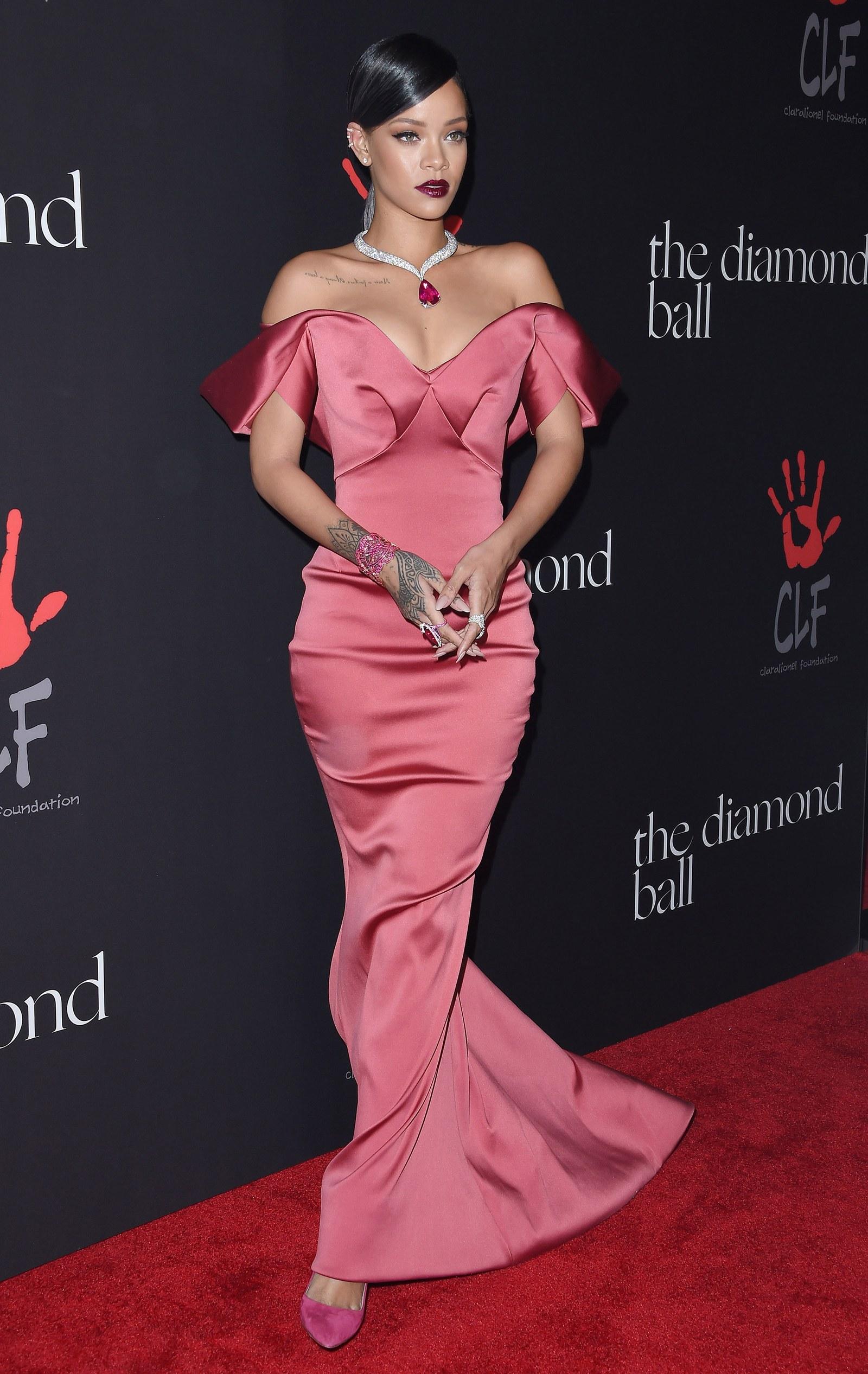 Rihanna egy 2014-es red carpet eseményen