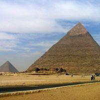 50. Piramist tessék!