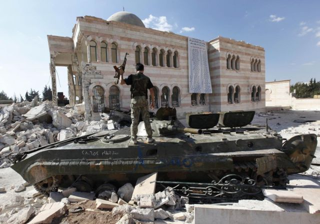 activists-syrian-warplanes-bomb-aleppo-killing-5_1.jpg