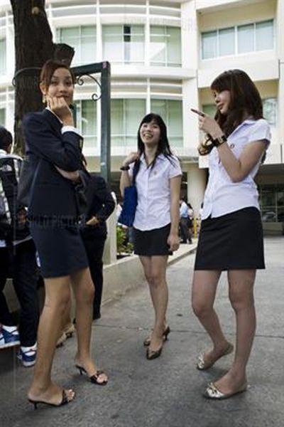 university_for_ladyboys_640_13.jpg