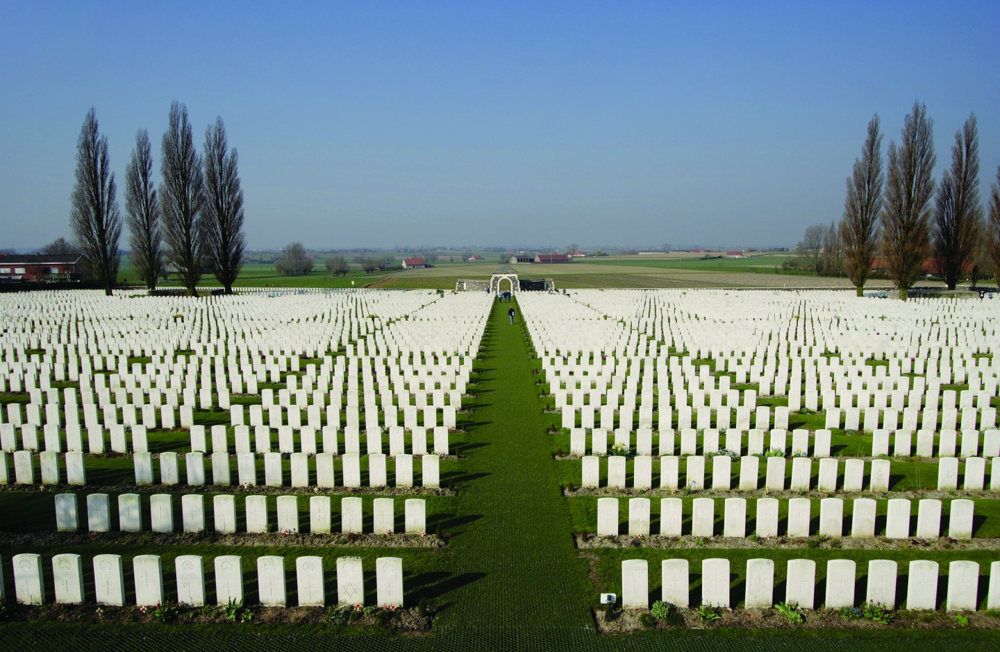 tyne-cot-cemetery-_commonwealth-war-graves-commission.jpg