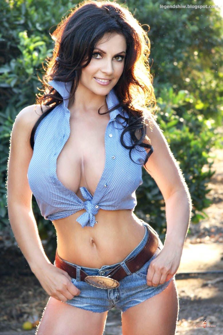 Denise_milani_dukes_hot.jpg