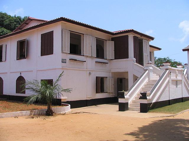 640px-Fort_Ouidah_Benin.JPG