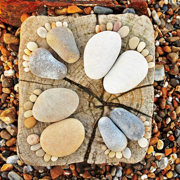 stone-footprints-land-art-iain-blake-3.jpg