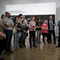 Kurátori tárlatvezetés a Magyar Sajtófotó Kiállításon