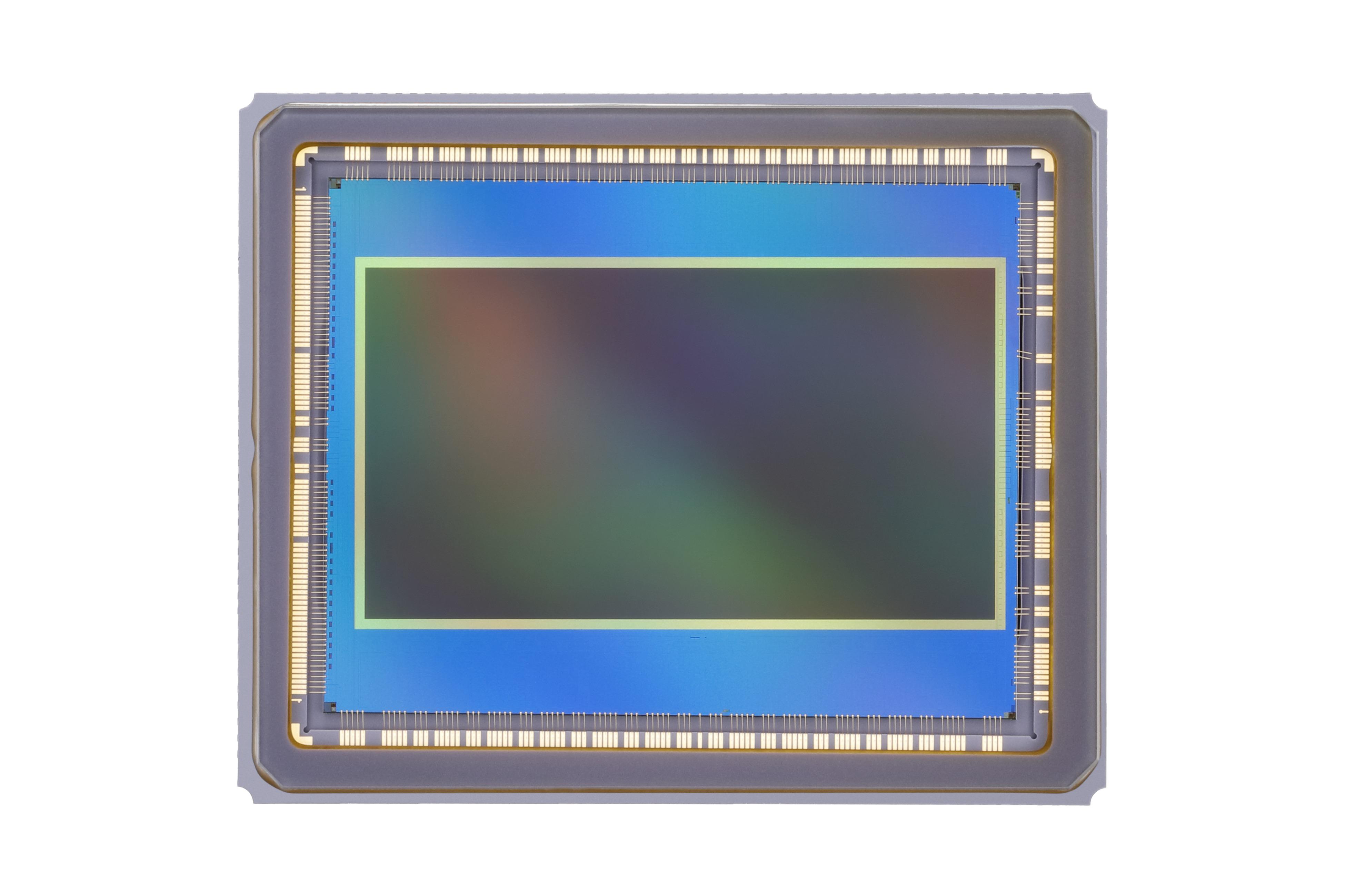 eos_c700_ff_sensor_02.jpg
