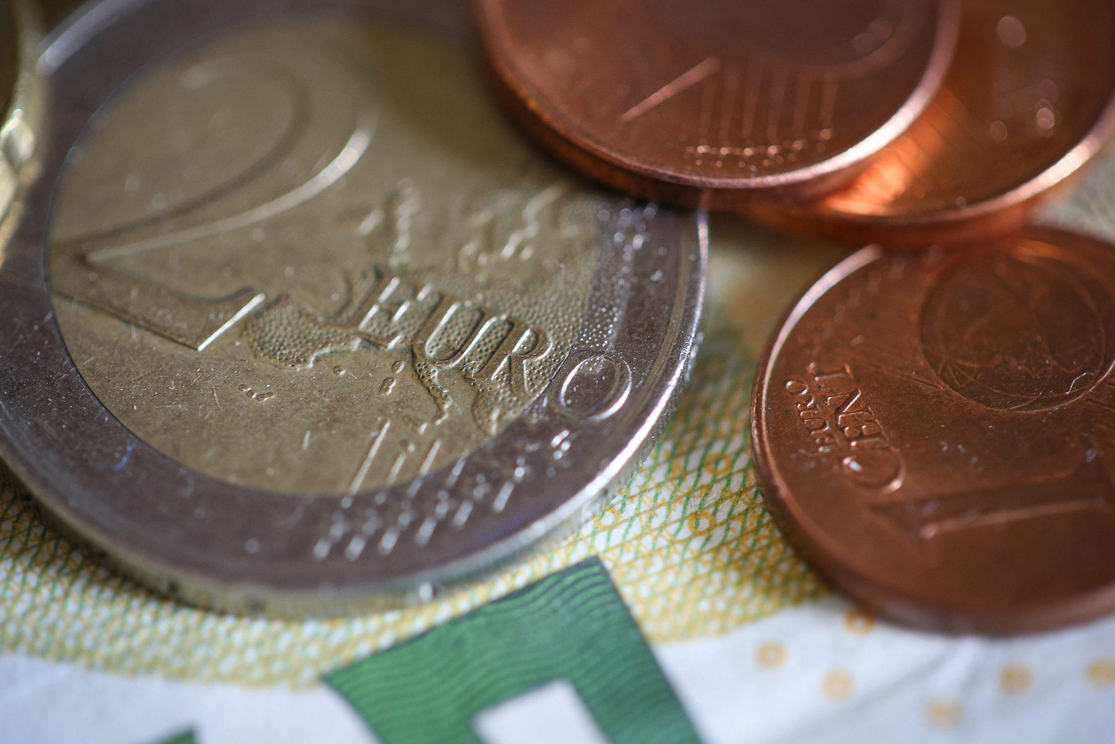 euro-coins-close-up_free_stock_photos_picjumbo_hnck7760-2210x1474.jpg