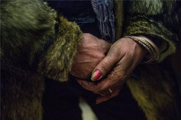Balogh Zoltán, az MTI/MTVA fotóriportere Éjjeli menedék című, egy hajléktalan nőt a RÉS Szociális és Kulturális Alapítvány női éjjeli menedékhelyén ábrázoló képe, amely dicséretben részesült a 36. Magyar Sajtófotó Pályázaton.