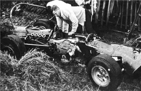 1966belgium_brm_wreck.jpg