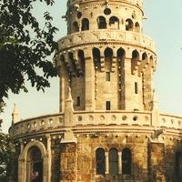 Sisi Tower 100