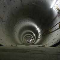 4-es metró: gyalog már járható...