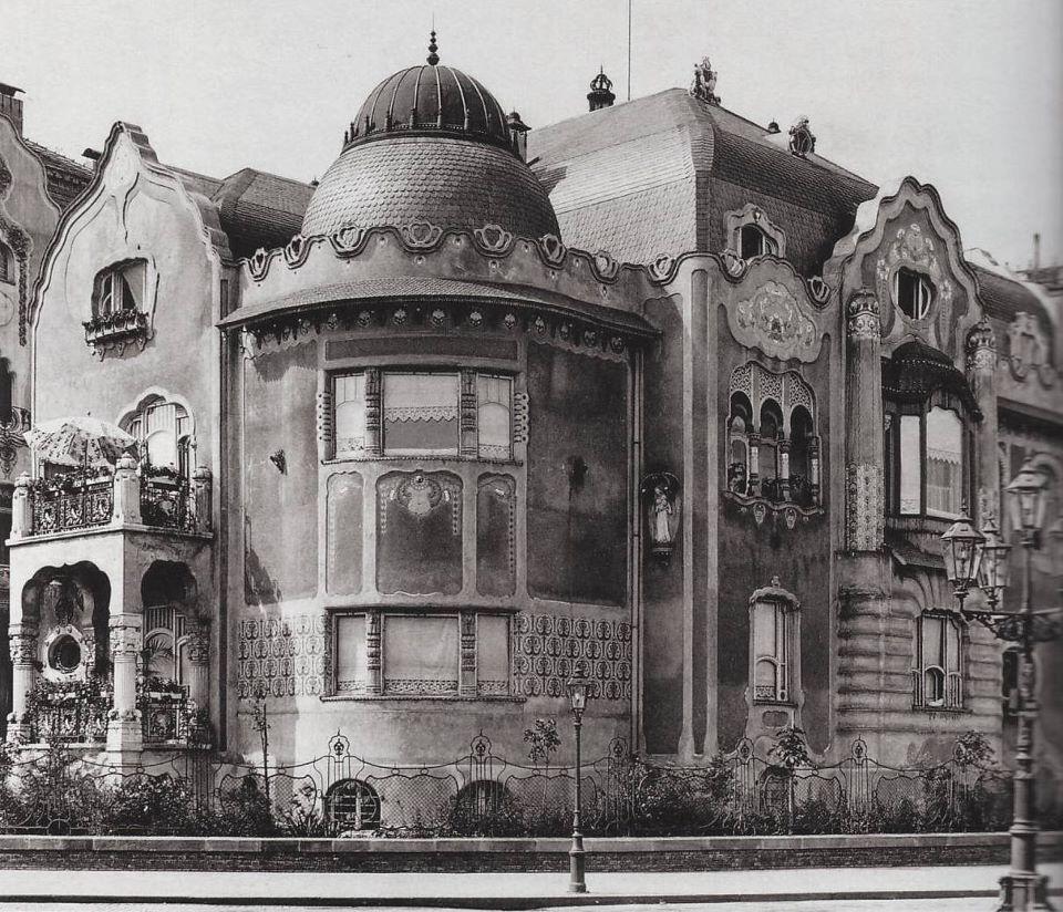 andrassyut129-babocsayvilla-1910esevek.jpg